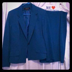 Kasper suit Sz 14 like new blazer and skirt